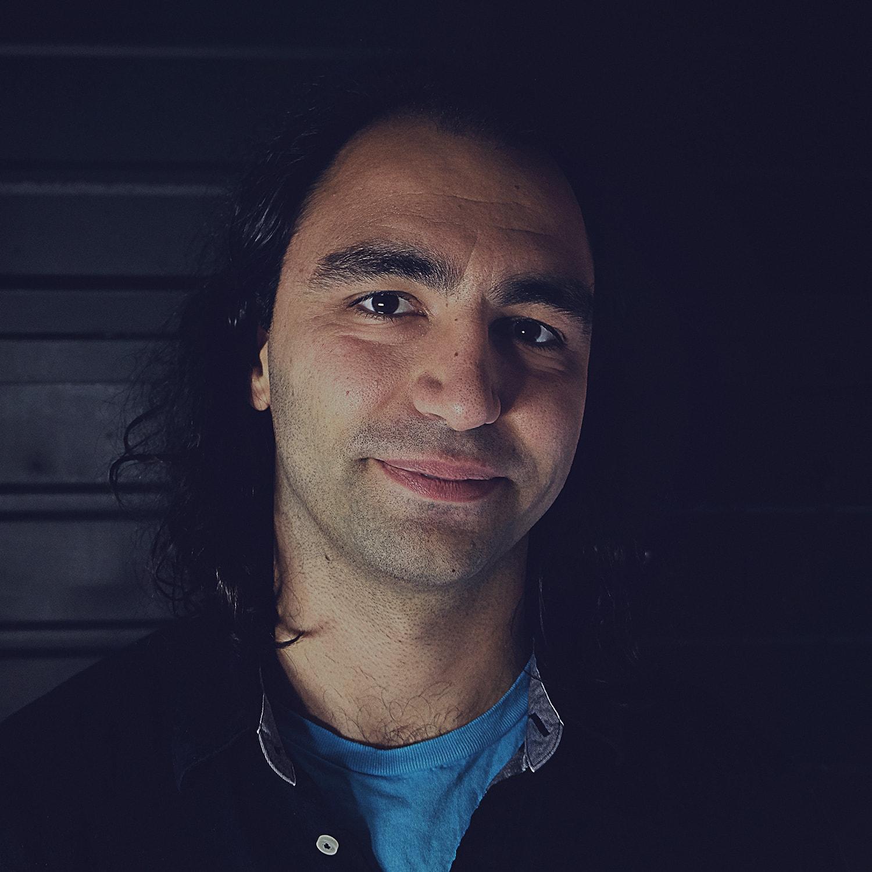 DINOS TSIKNIS